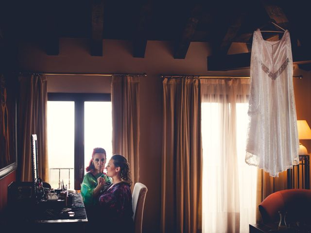 La boda de Carlos y María en Torrecaballeros, Segovia 24