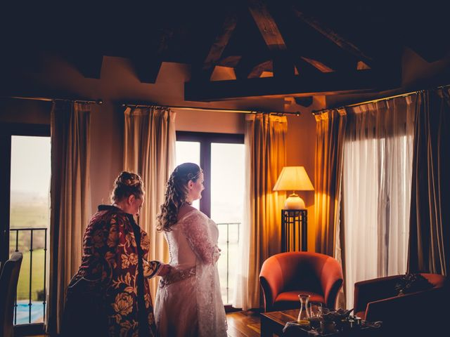 La boda de Carlos y María en Torrecaballeros, Segovia 42