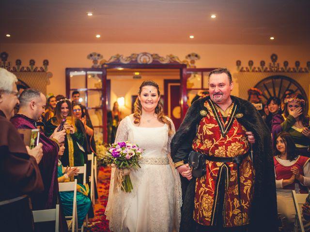 La boda de Carlos y María en Torrecaballeros, Segovia 52