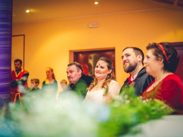 La boda de Carlos y María en Torrecaballeros, Segovia 57