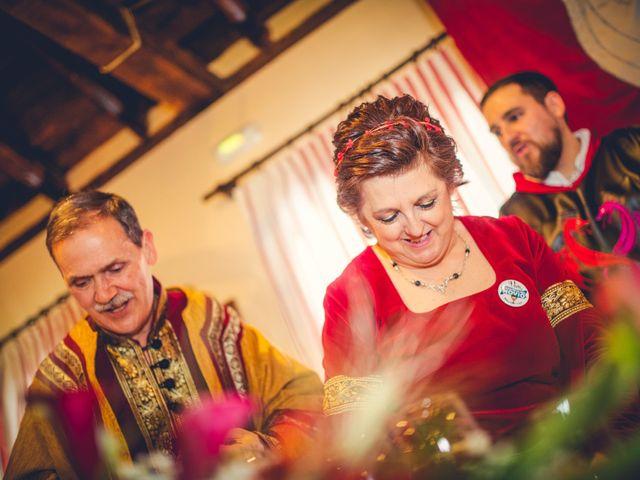 La boda de Carlos y María en Torrecaballeros, Segovia 78