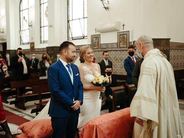 La boda de Soledad y José Luis en Sevilla, Sevilla 33