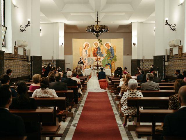 La boda de Soledad y José Luis en Sevilla, Sevilla 34