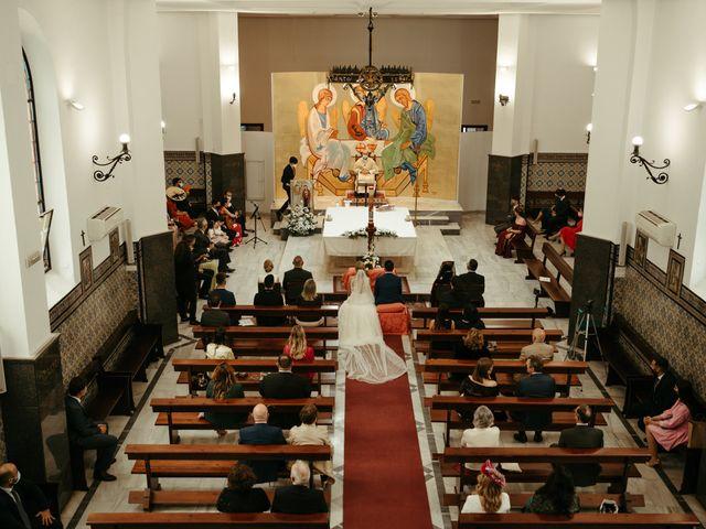 La boda de Soledad y José Luis en Sevilla, Sevilla 35