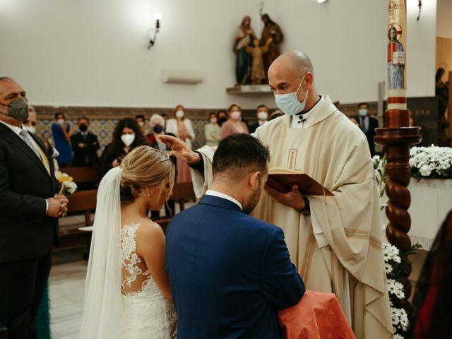 La boda de Soledad y José Luis en Sevilla, Sevilla 47