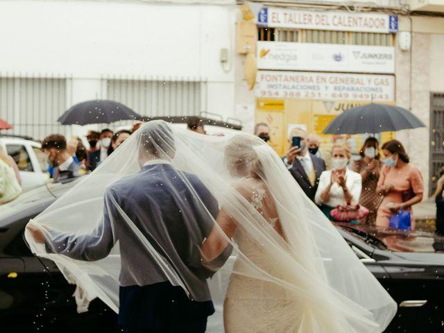 La boda de Soledad y José Luis en Sevilla, Sevilla 49