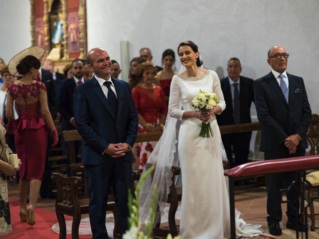 La boda de Jesús y María Teresa en San Clemente, Cuenca 14