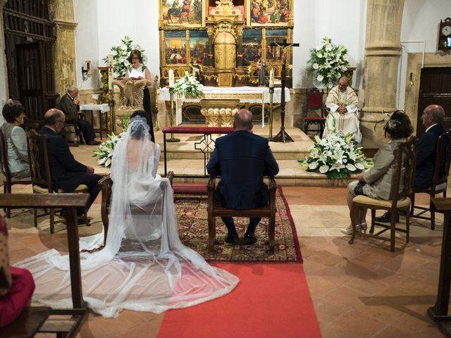 La boda de Jesús y María Teresa en San Clemente, Cuenca 15