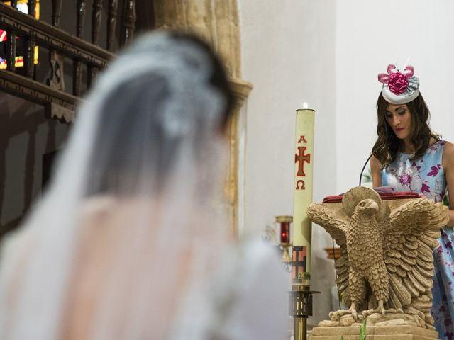 La boda de Jesús y María Teresa en San Clemente, Cuenca 16
