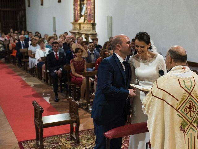 La boda de Jesús y María Teresa en San Clemente, Cuenca 17