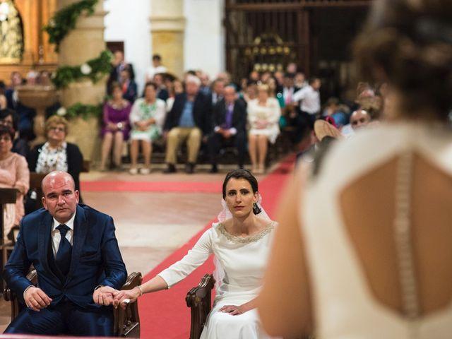 La boda de Jesús y María Teresa en San Clemente, Cuenca 23