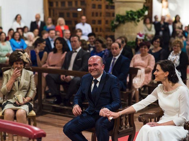 La boda de Jesús y María Teresa en San Clemente, Cuenca 24