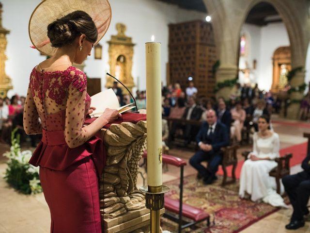 La boda de Jesús y María Teresa en San Clemente, Cuenca 27