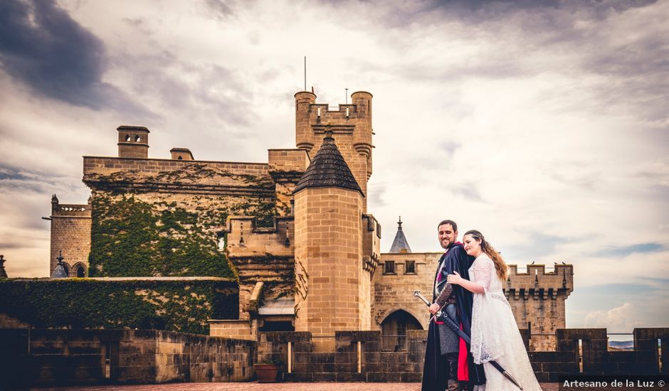 La boda de Carlos y María en Torrecaballeros, Segovia