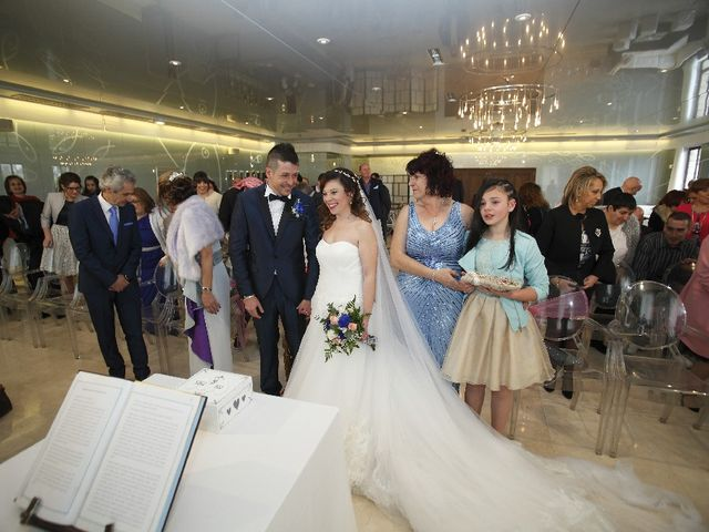 La boda de Jhony y Sandra en Avilés, Asturias 1