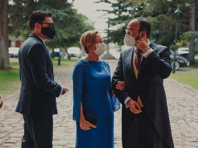La boda de Juan y Raquel en Castrillo De Duero, Valladolid 63