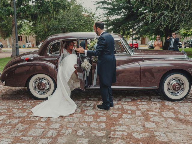 La boda de Juan y Raquel en Castrillo De Duero, Valladolid 123