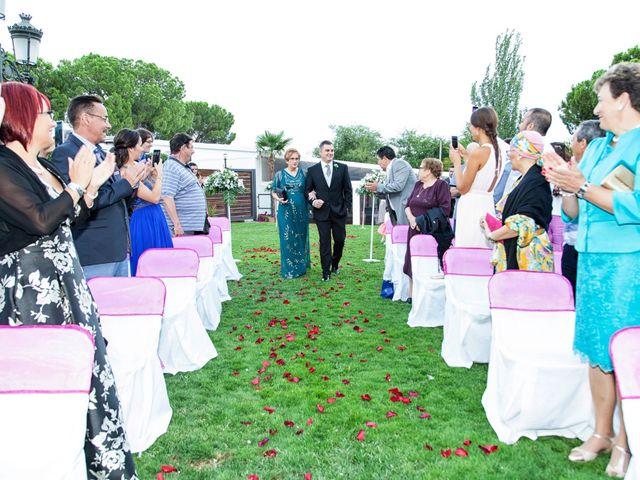 La boda de Ángel y Raquel en Cubas De La Sagra, Madrid 11