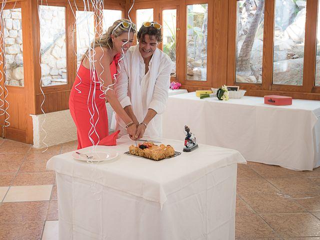 La boda de Luis y Veronica en La/villajoyosa Vila Joiosa, Alicante 4