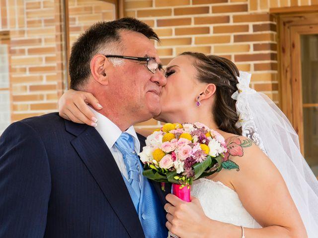 La boda de Fabián y Sandra en Cubas De La Sagra, Madrid 12