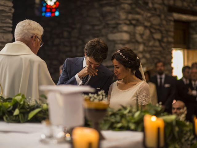 La boda de Lucas y Angela en Santuario Guayente, Huesca 11