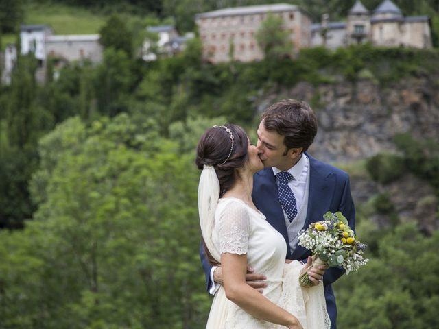 La boda de Lucas y Angela en Santuario Guayente, Huesca 14