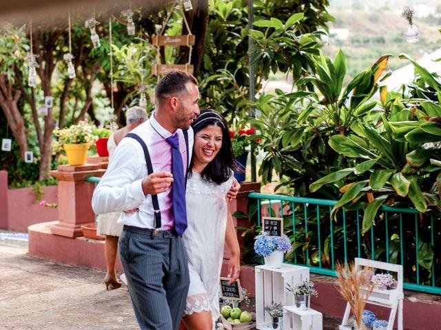 La boda de Chema y Gaizcane en Santa Cruz De La Palma, Santa Cruz de Tenerife 25