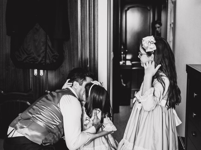 La boda de Luis y Ana en Coria Del Rio, Sevilla 32