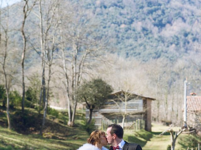 La boda de Pau  y Irene  en La Vall De Bianya, Girona 7