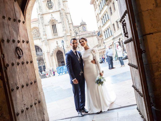 La boda de Alberto y Inés en Oviedo, Asturias 15