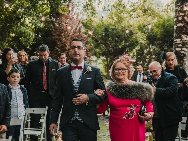 La boda de Isaac y Cris en Santiago De Compostela, A Coruña 26