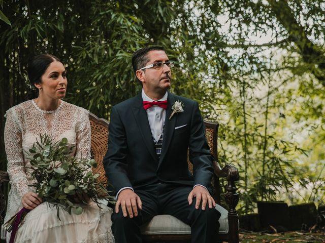 La boda de Isaac y Cris en Santiago De Compostela, A Coruña 33