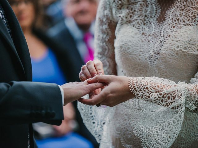 La boda de Isaac y Cris en Santiago De Compostela, A Coruña 35