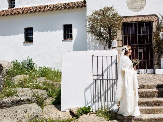 La boda de Luís y María en Barcarrota, Badajoz 30