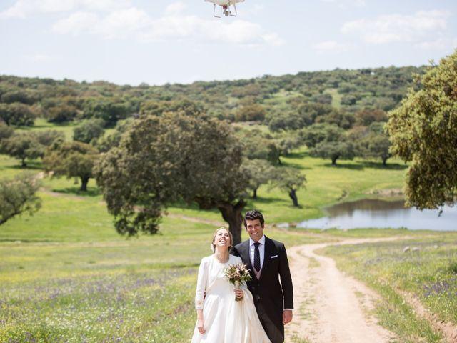 La boda de Luís y María en Barcarrota, Badajoz 35