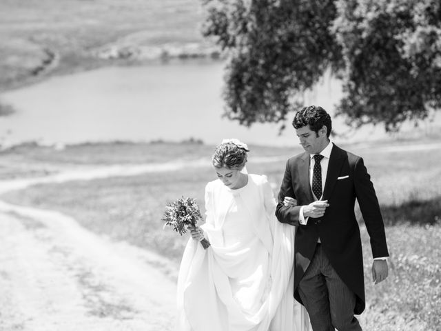 La boda de Luís y María en Barcarrota, Badajoz 38