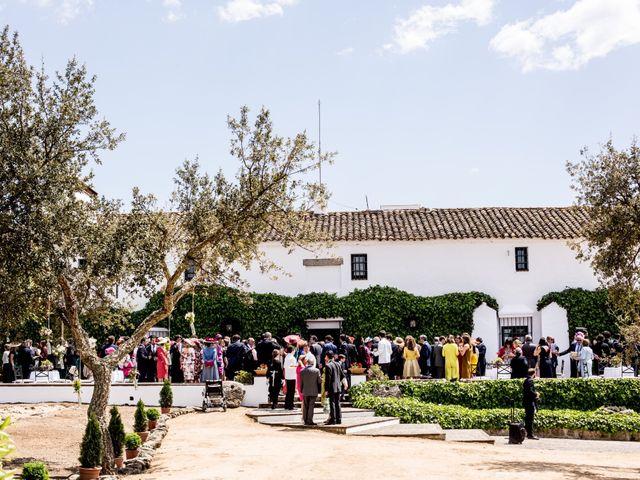 La boda de Luís y María en Barcarrota, Badajoz 41