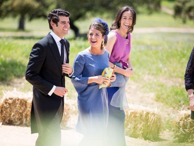 La boda de Luís y María en Barcarrota, Badajoz 44