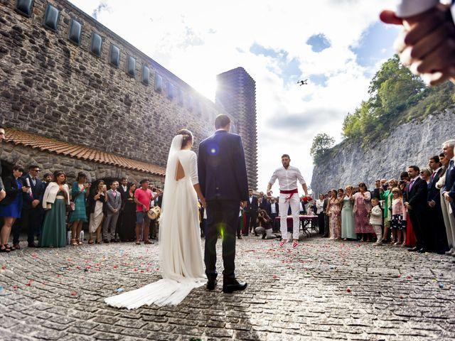 La boda de Dani y Miren en Aranzazu, Guipúzcoa 27