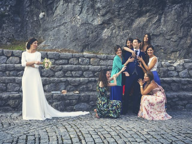 La boda de Dani y Miren en Aranzazu, Guipúzcoa 28