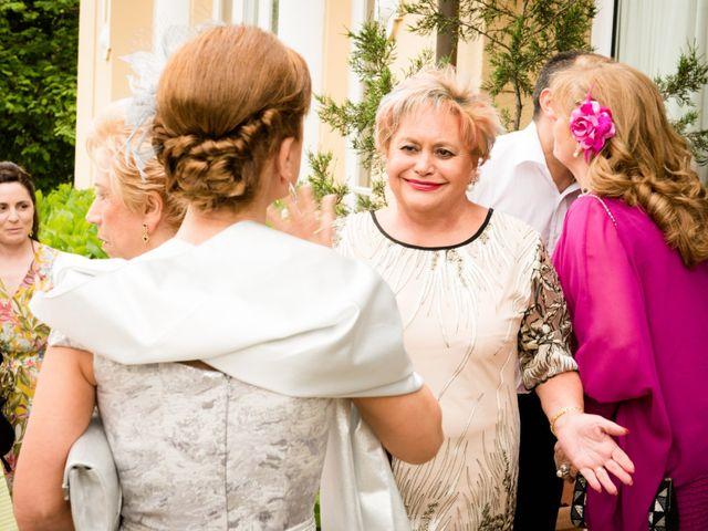 La boda de David y Ana en Gijón, Asturias 35