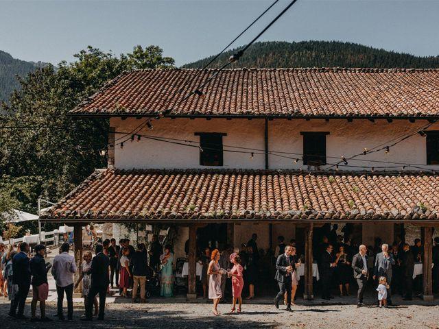 La boda de Joseba y Izaskun en Markina-xemein, Vizcaya 39