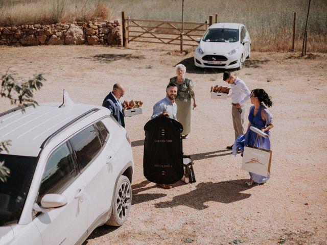 La boda de Adrian y Tamara en Llers, Girona 2