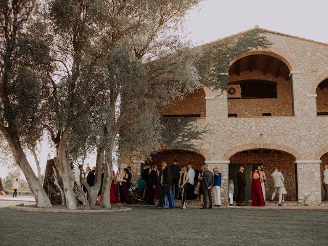 La boda de Adrian y Tamara en Llers, Girona 17