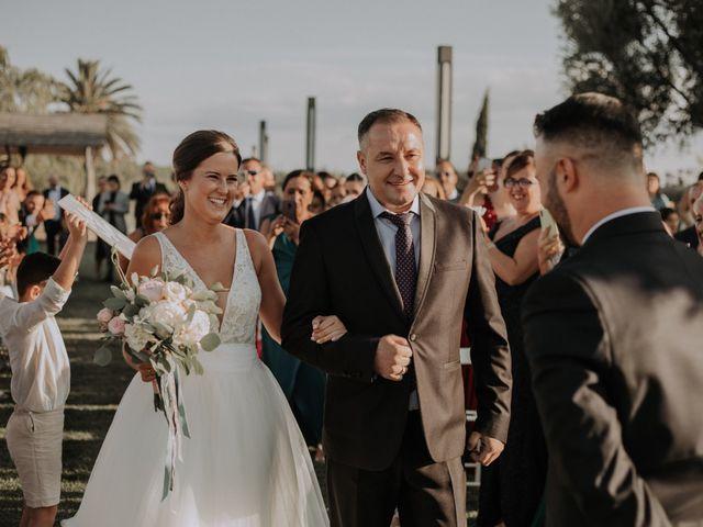 La boda de Adrian y Tamara en Llers, Girona 22