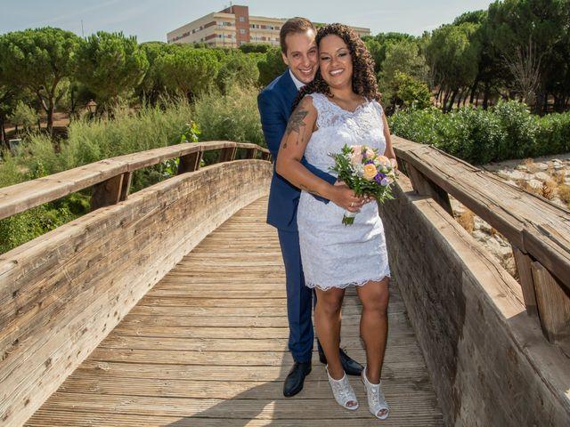 La boda de Javier y Joana en Madrid, Madrid 22