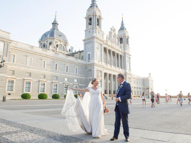 La boda de Jesús y Pilar en Madrid, Madrid 38