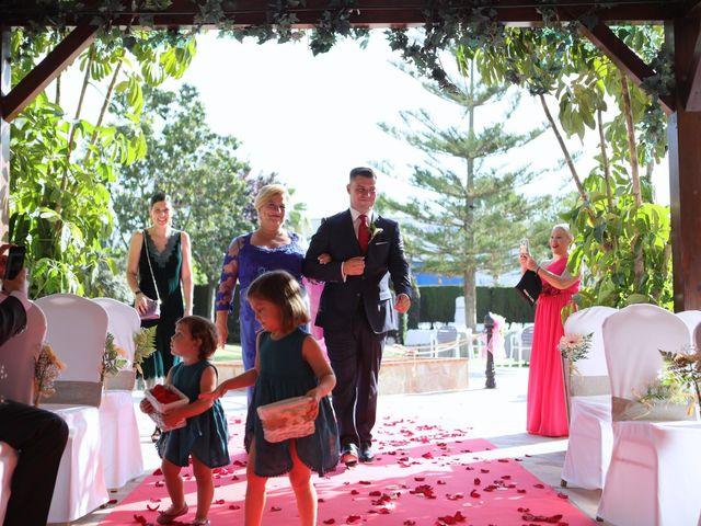La boda de Chus y Alvaro en Alhaurin De La Torre, Málaga 17