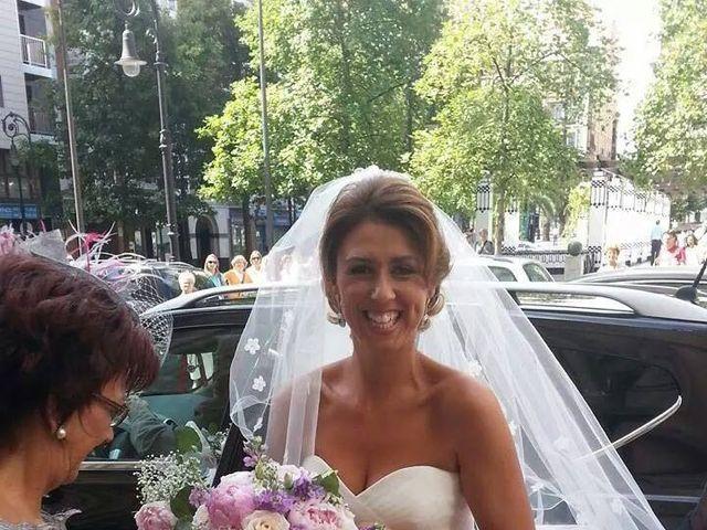 La boda de Raúl  y Paula en Gijón, Asturias 31