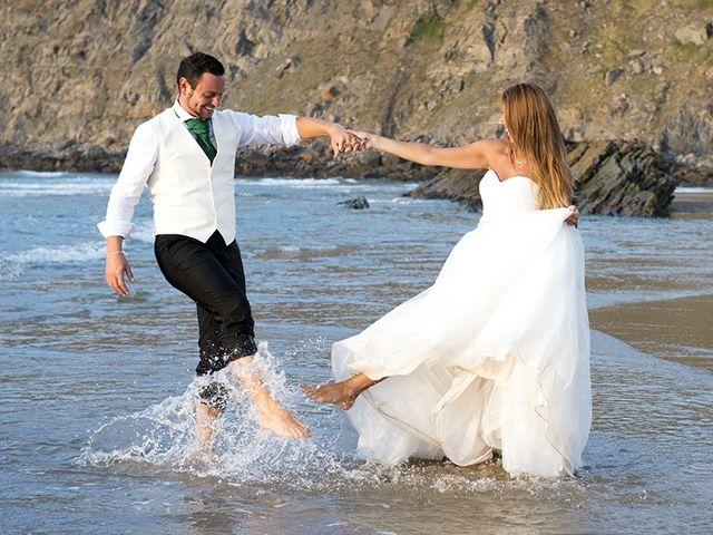 La boda de Raúl  y Paula en Gijón, Asturias 36